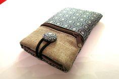 Handytasche aus wunderschönem Stoff / mobile phone case out of nice fabric by Schnulli9999 via DaWanda.com