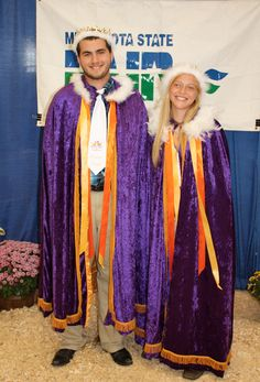 The 2014 #PoultryPrincePrincess Tyler Amick and Hayley Carlson were adorned with feathered capes and crowns at the @mnstatefair on Sunday. Congrats to these two recipients of the poultry ambassador titles and $1,000 scholarships from Minnesota 4-H our client @goldnplump!