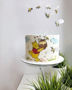 Winnie The Pooh Honey, Winnie The Pooh Cake, Winnie The Pooh Birthday, Half Birthday Baby, Birthday Cake, Realistic Cakes, Hand Painted Cakes, Bday Girl, Dream Cake