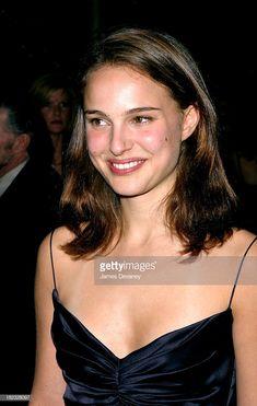 Young Natalie Portman x Natalie Portman Young, Pretty People, Beautiful People, Nathalie Portman, Caroline Flack, Elizabeth Gillies, Adele, Role Models, Hollywood