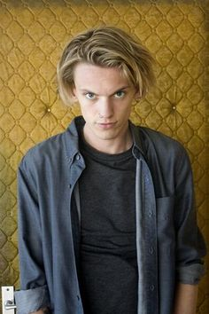 'The Mortal Instruments' Jamie Campbell Bower Challenges 'Harry Potter's' Rupert Grint [PHOTOS] - Entertainment & Stars