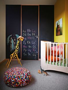 blackboard wall | colorful kid's bedroom #decor #quartoinfantil