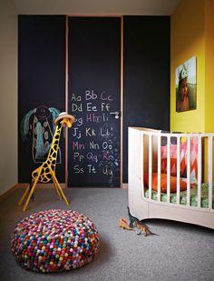 blackboard wall | colorful kid's bedroom #decor #quartoinfantil