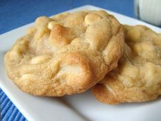 White Chocolate Chip Macadamia Nut Cookies. Photo by Marg (CaymanDesigns)