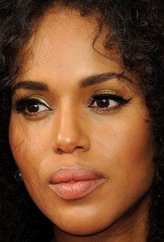 Close-up of Kerry Washington at the 2016 Emmy Awards. Beautiful Ethiopian Women, Beautiful Women, Gold Makeup Looks, Tyra Banks, Dark Skin Tone, Celebrity Beauty, Good Skin, Kerry Washington, Pretty Woman