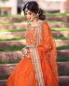 Pakistani Mehndi Dress, Bridal Mehndi Dresses, Pakistani Bridal Makeup, Pakistani Wedding Outfits, Indian Bridal Wear, Wedding Dresses For Girls, Pakistani Dress Design, Party Wear Dresses, Bridal Outfits