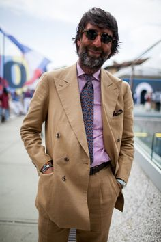 """gentlementools: """"The Wolf of Rome, Andrea Luparelli @sartoriaripense """" With a great double-breasted summer suit"""