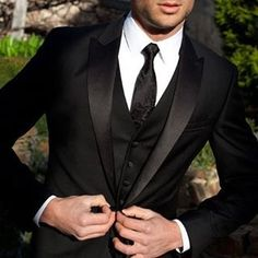 We love suits so much that we dedicate this board to incredible styles and icons… Dark Blue Suit, Black Suits, Black Tie, Tuxedo Wedding Suit, Wedding Suits, Wedding Gowns, Best Dressed Man, Sharp Dressed Man, Custom Made Suits