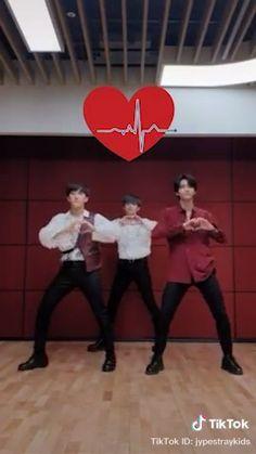 Stray Kids Seungmin, Felix Stray Kids, Sung Lee, Kid Memes, Crazy Kids, Kids Wallpaper, Kids Videos, Lee Know, Kpop Boy
