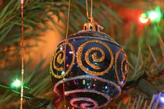 Need ideas of fun activities to do around the Tri-State (NJ, PA, NY) area this holiday season?  Check out my blog and feel free to share! http://rusticharbor.hubpages.com/hub/Christmas-Events-in-NJ-Area