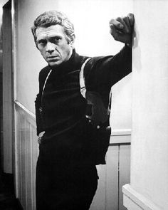 Welcome to the Official Licensing Site of Steve McQueen. Learn more about Steve McQueen and contact us today for any commercial licensing inquiries. Steve Mcqueen Bullitt, Hollywood Stars, Classic Hollywood, Old Hollywood, Steeve Mcqueen, Faye Dunaway, Cult, Actrices Hollywood, Great Movies