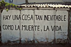 Accion poetica Cultura Inquieta16 Writing Art, Writing Poetry, Smart Quotes, Happy Quotes, Chile, Graffiti Lettering, Thoughts And Feelings, I Feel Good, Spanish Quotes