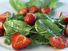 Sauerampfer-Erdbeer-Salat ist ein Rezept mit frischen Zutaten aus der Kategorie Salat. Probieren Sie dieses und weitere Rezepte von EAT SMARTER!