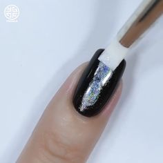 A spooky holo nail art to rock your Halloween look! Credits: Yagala Joan Source by - Holloween Nails, Halloween Acrylic Nails, Halo Nails, Aycrlic Nails, Nail Art Designs Videos, Nail Art Videos, Spooky Halloween, Gothic Nails, Cute Christmas Nails