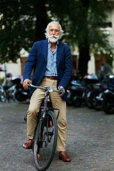 Mepaso tupensión porel.... 20 Pruebas de que un hombre puede verse fabuloso a cualquier edad http://genial.guru/foto/me-paso-tu-pension-por-el-344/