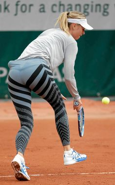 Resultado de imagen de maria sharapova in leggings small ass like most by womens how smaller how better Maria Sharapova Hot, Sharapova Tennis, Tennis Fashion, Sport Fashion, Maria Sarapova, Caroline Wozniacki, Tennis Players Female, Tennis Stars, Gymnastics Girls