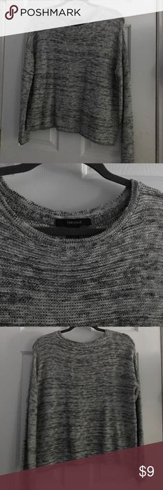 Forever 21 sweater hits at the waist very flattering! no holes snags rips or stains. comes from a smoke free home! Forever 21 Sweaters Crew & Scoop Necks