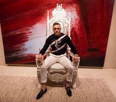 824.4 тыс. отметок «Нравится», 9,324 комментариев — Conor McGregor Official (@thenotoriousmma) в Instagram: «I am in Las Vegas. Floyd has retired on my arrival.»