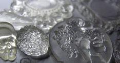 Bagateller: Forme og resinas- Forme og harpikser