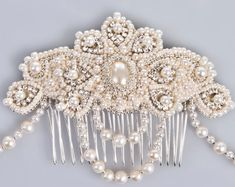 Lucrezia pearl and crystal bridal headpiece door PetiteLumiereCo