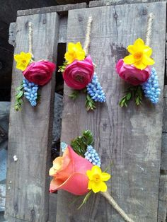 beautiful button holes from The Stable Flower Company
