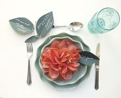 Paper pom pom place setting by Berinmade
