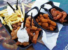 Best fried fish in town! La un chiosc de pe plaja din Scheveningen ♥️ Revenim aici de fiecare data cu mare drag 😀 #savoriurbane #foodtraveller #kibbeling #frites #friedmussels #gambas #amrathhotel #beach #zuidholland Ethnic Recipes, Food, Essen, Meals, Yemek, Eten