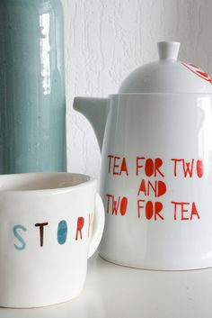 Más tamaños | Tea for two and two for tea, via Flickr.