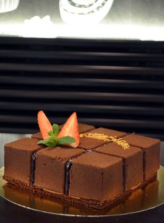 dorty v cukrárně Moje cukrářství Tiramisu, Cake, Ethnic Recipes, Desserts, Food, Tailgate Desserts, Deserts, Kuchen, Essen