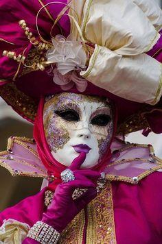 Pink Lady Venice Carnival 2015 by Alex Ichim Venice Carnival Costumes, Diy Carnival, Venetian Carnival Masks, Carnival Of Venice, Venetian Masquerade, Masquerade Party, Carnival Food, Masquerade Masks, Carnival Decorations
