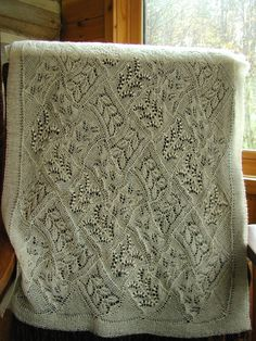 Knit Or Crochet, Lace Knitting, Knitting Stitches, Knitting Patterns, Crochet Patterns, Knitted Afghans, Knitted Blankets, Shawl Patterns, Stitch Patterns