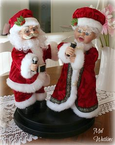 Ahhhh The Classics Best Christmas Gifts, Christmas And New Year, Vintage Christmas, Vintage Santa Claus, Vintage Santas, Mrs Claus, Christmas Decorations, Holiday Decor, Present Gift