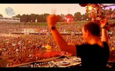 Hardwell Live at Tomorrowland 2013 !!!