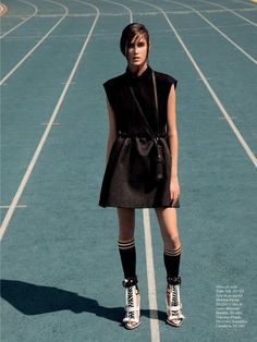 fashion editorials, shows, campaigns & more!: jogo certo: alexia bellini by tiago molinos for marie claire brasil may 2014 Sport Fashion, Look Fashion, Trendy Fashion, Sport Editorial, Editorial Fashion, Sport Style, Sporty Chic, Sport Motivation, Stella Mccartney Adidas