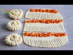 BU TARİF HERKESİ HAYRAN BIRAKTIRIR ✅ PAMUK RULO ŞERİT POĞAÇA 💯YUMUŞAK POĞAÇA - YouTube Pastry Recipes, Cooking Recipes, Appetizer Sandwiches, Bread Shaping, Kolaci I Torte, Fast Dinner Recipes, Food Carving, Food Garnishes, Bread And Pastries