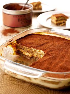 Irish Cream Tiramisu Irish Cream, Tiramisu Recipe Nigella, Nigella Lawson Tiramisu, Baileys Tiramisu, Baileys Irish, Tiramisu Cake, Just Desserts, Dessert Recipes, Classic Desserts