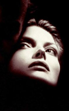 Michelle Pfeiffer in Wolf movie poster. Michelle Pfeiffer, Beautiful Ladies, Beautiful People, Beautiful Pictures, Wolf Movie, Black And White Face, Shadow Pictures, Best Actress, Girl Face