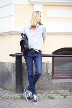 Tine Andrea of The Fashioneaters in Vans Old Skools and denim