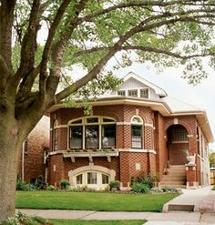 Chicago style bungalow from Cottage Living Bungalow Homes, Chicago Style, Craftsman Style, Craftsman Homes, Second Empire, Craftsman Bungalows, Cottage Style, Cottage Living, Old Houses
