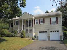 17 Sears Pl, Wayne Twp., NJ 07470 — Wow Factor offered in this Impressive recently renovated 3 bed 2.5 bath ranch. Gourmet KIT w/ all the bells and whistles, tumbled marble baths, HW flrs t/o, Large finished basement w/powder rm, Just unpack and move in to this affordable gorgeous ranch. Custom cabinets in kitchen, with large center island, 6 burner range, granite and glass tile work with tumbled marble floors, Master bedroom with walk-in closet and en-suite bath with stone tile work. Three…