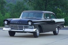 1957 ford custom.... i own one of these....Mine is 1/25 scale