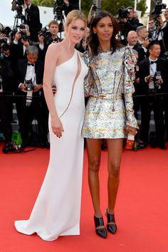 Doutzen Kroes, de Versace, e Liya Kebede, de Louis Vuitton