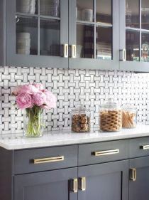 Uplifting Kitchen Remodeling Choosing Your New Kitchen Cabinets Ideas. Delightful Kitchen Remodeling Choosing Your New Kitchen Cabinets Ideas. Farmhouse Kitchen Cabinets, Kitchen Cabinet Design, Kitchen Redo, New Kitchen, Kitchen Dining, Kitchen Backsplash, Backsplash Ideas, Kitchen Ideas, Rustic Kitchen