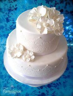 Ruby Wedding Cake, Small Wedding Cakes, Fondant Wedding Cakes, Amazing Wedding Cakes, Wedding Cake Stands, White Wedding Cakes, Elegant Wedding Cakes, Fondant Cakes, Pretty Cakes