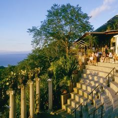 A #tropical #Victorian amphitheater featuring 5 star #sunsets @VillaCaletasCR on the Central #Pacific #Coast! #costarica #honeymoon #crexperts