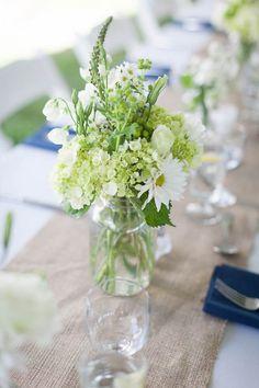 Summery chic wedding centerpiece | Kristen Jane Photography