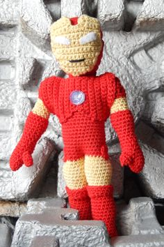 Tuesday that collect patterns of amigurumis IX : amigurumi iron man free pattern Crochet Dolls, Crochet Baby, Knit Crochet, Free Crochet, Crochet Bear Patterns, Crochet Animals, Crochet Ideas, Iron Man, Hero Crafts