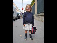 Crianças mostram seu estilo usando óculos fashion -