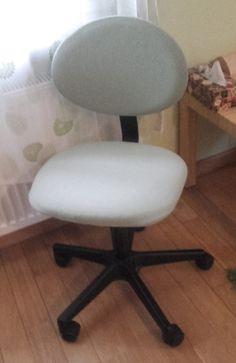 Ręko-czyny: Zmiana obicia zwykłego dziecięcego krzesła do biurka