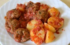 Meatballs with tomato sauce Greek Meatballs, Greek Recipes, Different Recipes, Deli, Cooking Time, Main Dishes, Food And Drink, Dinner, Ethnic Recipes